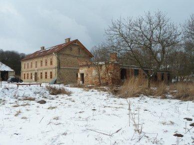 Guest Facilities for a Biotope at Honětice - Původní stav - foto: archiv autorů