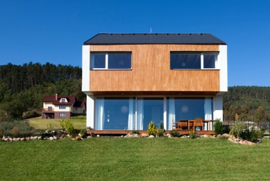 Dům ve svahu - foto: Vavřinec Menšl