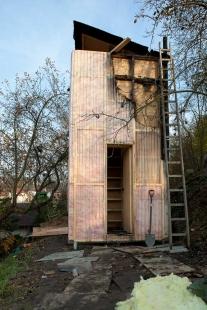 Knihovna v zahradě - foto: mjölk architekti