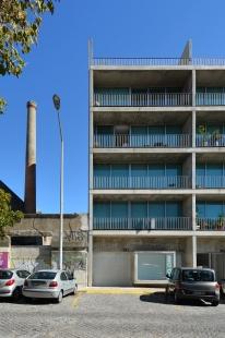 Matosinhos Housing - foto: Petr Šmídek, 2013