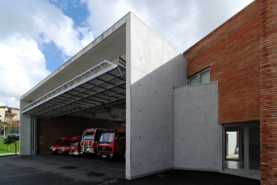 Fire Station Santo Tirso - foto: Petr Šmídek, 2012