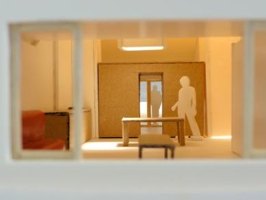 Půdní vestavba dvou bytů  - Fotografie modelu - foto: studio AEIOU