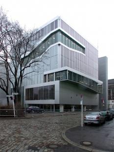 Dutch Embassy in Berlin - foto: Petr Šmídek, 2004