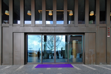 Hotel Empire Riverside - foto: Petr Šmídek, 2012