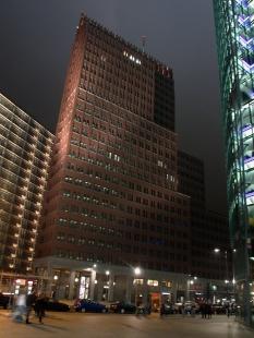 DaimlerChrysler Highrise Building - foto: Petr Šmídek, 2006