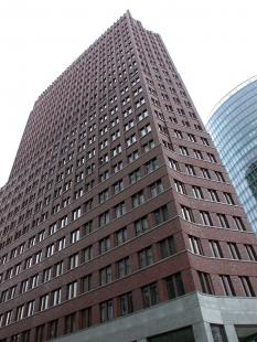 DaimlerChrysler Highrise Building - foto: Petr Šmídek, 2002