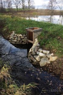 Rybníky a chaty