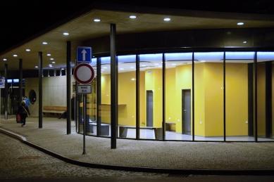 Autobusové nádraží v Kloboukách u Brna - foto: Libor Teplý