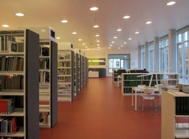 Přestavba Café am Bauhaus na knihovnu Bauhaus - foto: Reiner Becker Architekten