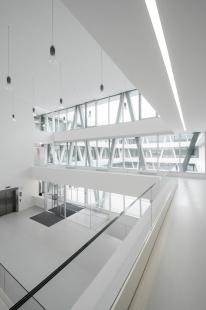 Centrum technologie a designu - foto: © AllesWirdGut Architektur/ Guilherme Silva Da Rosa
