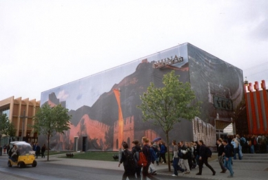 EXPO 2000 - Čína - Pavilon Čínské lidové republiky - foto: Jan Kratochvíl, 2000