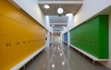 Dostavba základní školy v Roztokách
