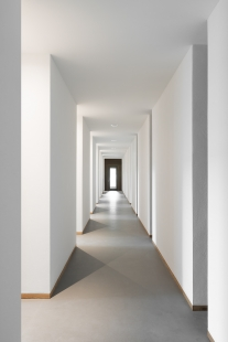 Novostavba výroben v areálu kláštera Nový Dvůr - foto: Gilbert McCarragher
