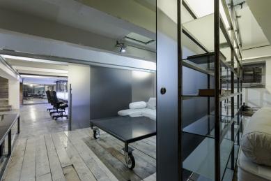 Konverze interieru továrního prostoru na zázemí firmy SIO2