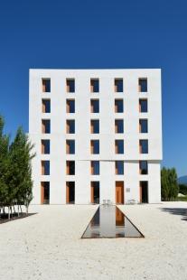 Administrativní budova 2226 - foto: Petr Šmídek, 2015