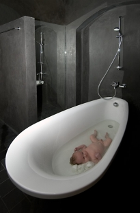 Besídka - Damián je křtěn kvalitní architekturou - foto: Ester Havlová