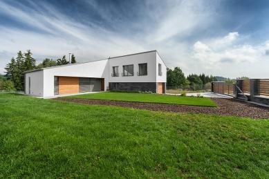 Rodinný dům se střešní terasou - foto: Ing. Petr Košťál