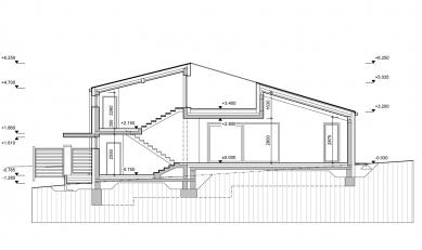 Rodinný dům se střešní terasou - Řez