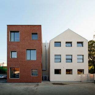 Stavební úpravy a přístavba základní školy Hovorčovice - foto: Viktor Tuček, PHOTON