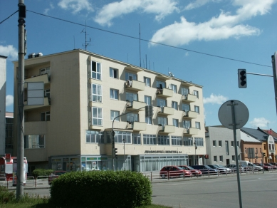 Úřední a obytná budova Městských elektrických podniků - foto: Martin Fröml