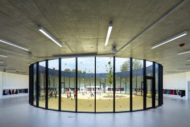 Pavilon prvního stupně ZŠ a ZUŠ Líbeznice - foto: Andrea Thiel Lhotáková