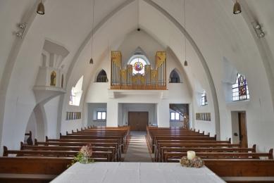 Cemetery extension & Funery chapel - Farní kostel, který v letech 1921-23 navrhl tyrolský architekt Clemens Holzmeister