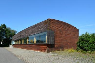 Výstavní hala firmy Altenried - foto: Petr Šmídek, 2015