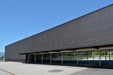 Secondary school with hall in Klaus - foto: Petr Šmídek, 2015