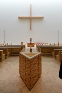 Katolický děkanský kostel sv. Trojice - foto: Petr Šmídek, 2015