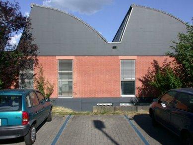 Centrum Vitra - První továrna firmy Vitra vystavěná v roce 1957 basilejskými architekty Beckem a Bauerem - foto: Petr Šmídek, 2003
