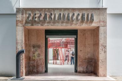 Care for Architecture: Asking the Arché of Architecture to Dance - Care for Architecture: Asking the Arché of Architecture to Dance, La Biennale di Venezia 2016 - foto: Benedikt Markel