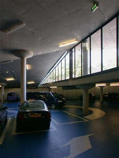 Breda Chassé Parking - foto: Petr Šmídek, 2003