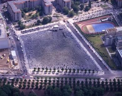 Holocaust-Mahnmal - pomník všem v Evropě zavražděným Židům - Letecký pohled na území památníku, 13.05.2005 - foto: © Dirk Laubner