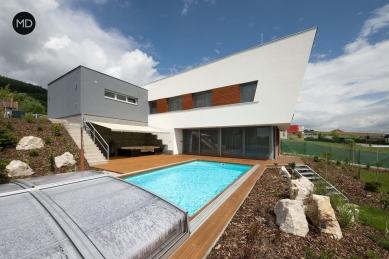 Rodinný dům ve svahu - foto: Jiří Ernest
