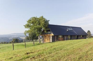 Family house near Zelezny Brod - foto: Tomáš Souček