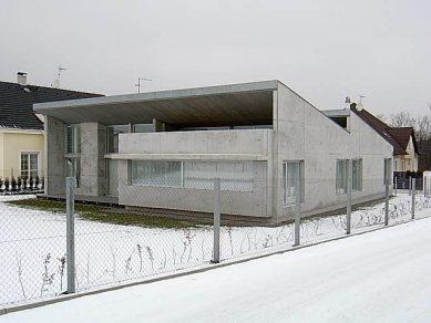 Rodinný dům v Ohrobci - foto: www.eucon.cz
