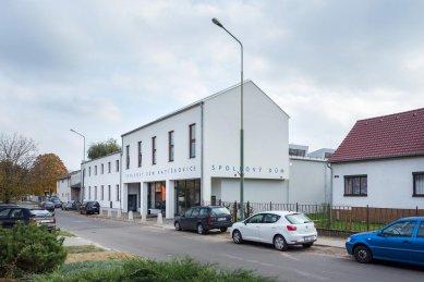 Spolkový dům v Ratíškovicích - foto: Libor Stavjanik, studio TOAST