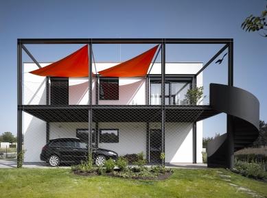 Rodinný dům pro automobilového závodníka - foto: Filip Šlapal