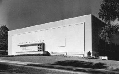 Walker Art Center - Moderní  fasáda z roku 1944 - foto: © Walker Art Center