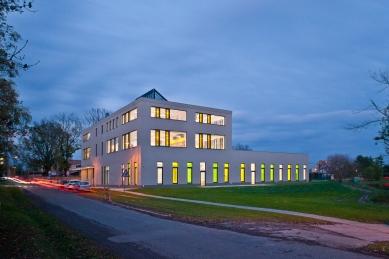 Základní škola Hovorčovice - foto: © Viktor Tuček – PHOTON