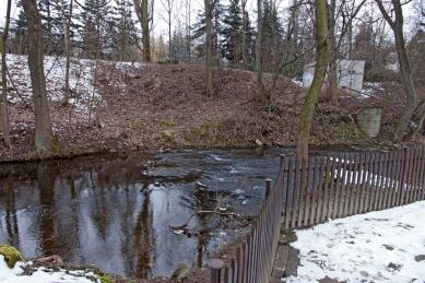 Obnova nábřeží řeky Loučné - Fotografie původníh stavu - foto: Rusina Frei architekti