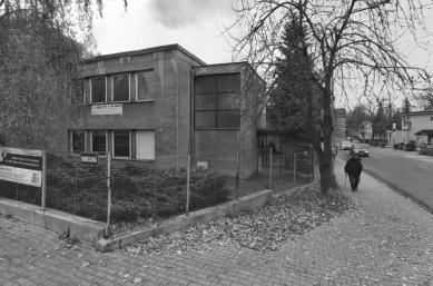 Rekonstrukce fasády a okolí domu dětí a mládeže v Kopřivnici - Původní stav