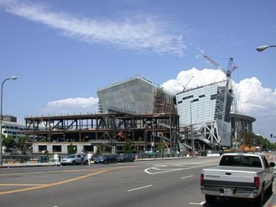 Walt Disney Concert Hall - Fotografie z průběhu stavby v září 2001 - foto: Petr Šmídek, 2001