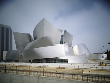 Walt Disney Concert Hall - foto: © Tom Bonner