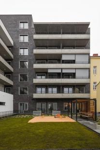Polyfunkční dům Bratislavská - foto: Ing. arch. Bořivoj Čapák