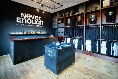 NeverEnough Black Box Store - foto: Jan Kuděj