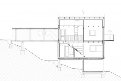 Chata s lávkou - Podélný řez - foto: majo architekti