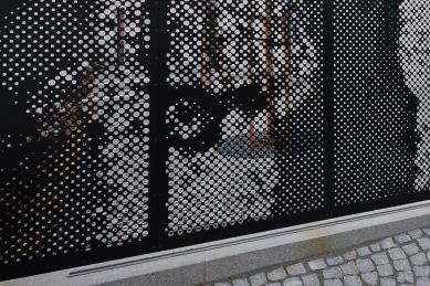 KINONEKINO - Detail brány - foto: Bohumil Pospíšil