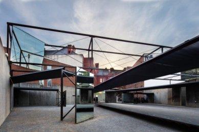 Hide & Seek - foto: Pablo Enriquez, MoMA PS1