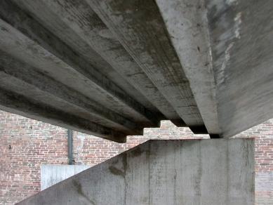 Vstup do benátské fakulty architektury - foto: Petr Šmídek, 2002